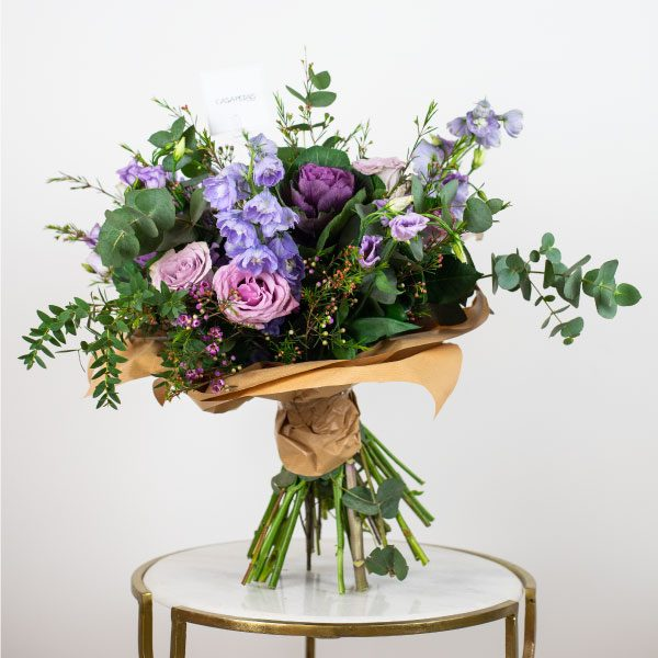 purple flowers bouquet by casa petals flower delivery dubai