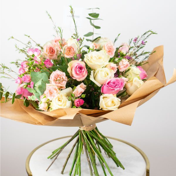 combination of pink flowers bouquet by casa petals dubai online flower delivery shop