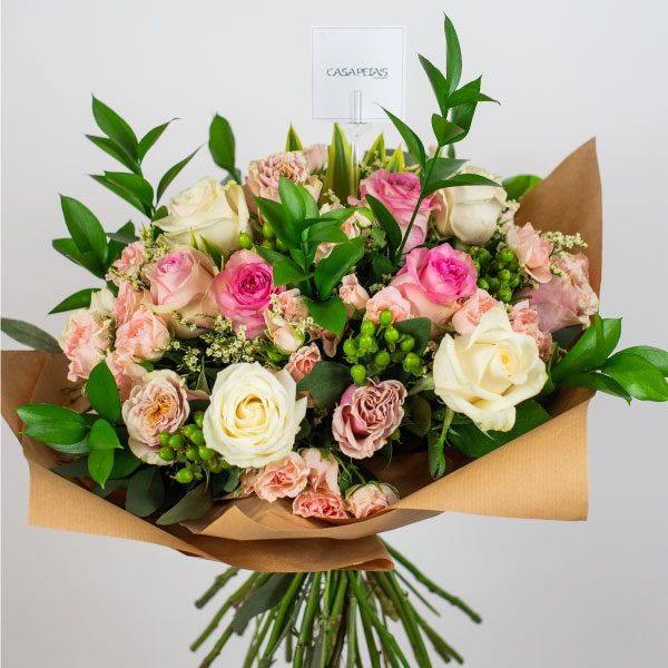 pink spray rose bouquet casa petal flower delivery dubai