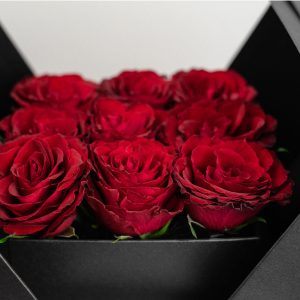 9 red roses in flower box by casa petals online flower delivery Dubai