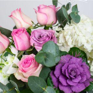 heaven-scent-vase-arrangement-casa-petals-online-flower-shop-dubai-1