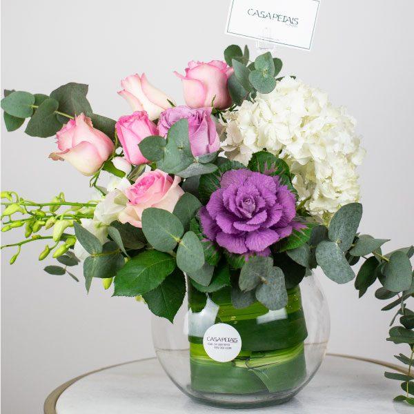 heaven-scent-vase-arrangement-casa-petals-online-flower-shop-dubai-2
