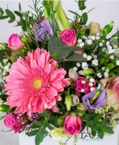 simply-pink-love-vase-arragement-by-casa-petals-online-flower-shop-dubai-1