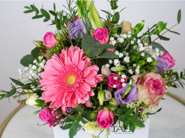 simply-pink-love-vase-arragement-by-casa-petals-online-flower-shop-dubai-1