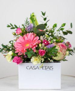 simply-pink-love-vase-arragement-by-casa-petals-online-flower-shop-dubai